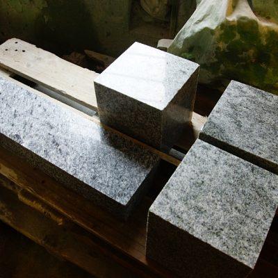 kivimeister-kivihoov-hauakivid-13